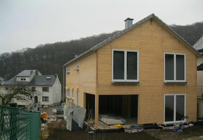 NurHolz Haus im Bau Schifflange