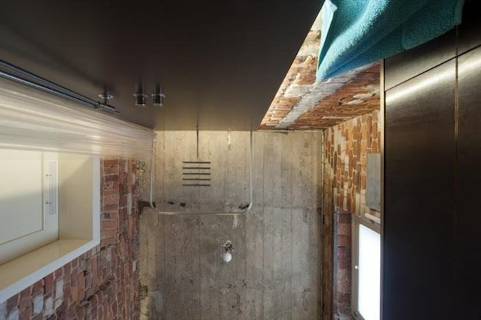 Stadtloft_Bad ohne Fliesen Betondecke