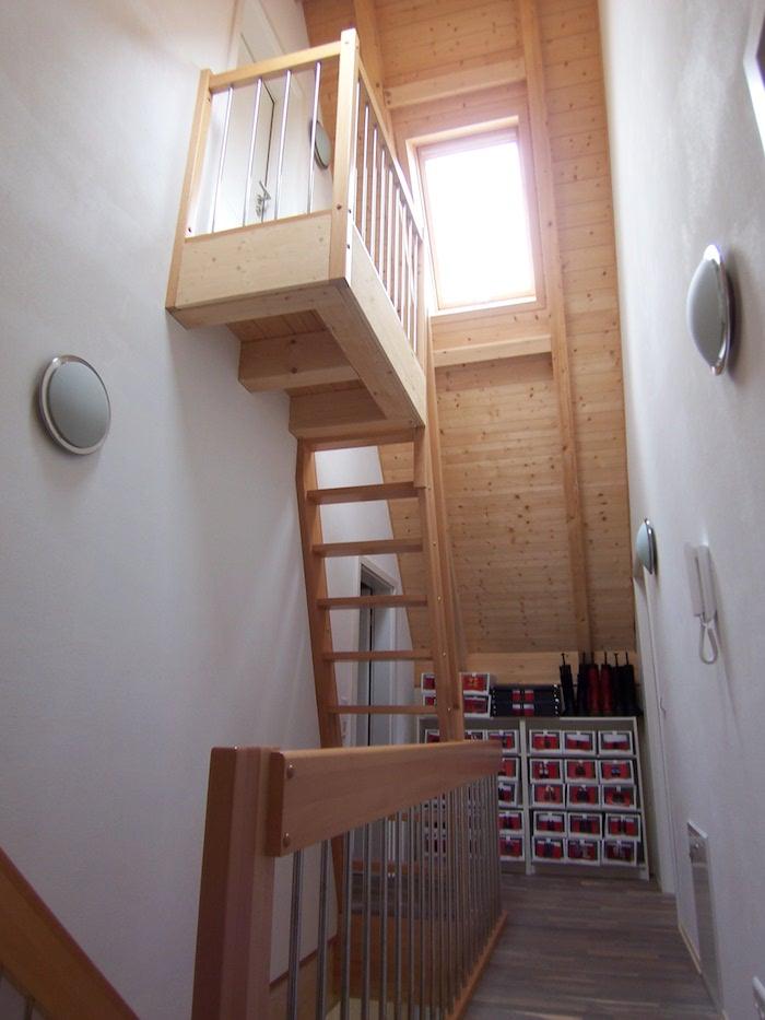 Treppe Spitzgiebel Holzhaus