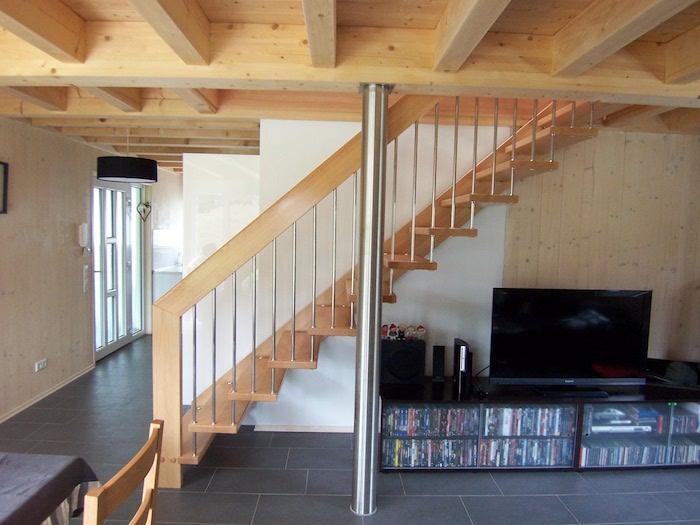 Wohnzimmer Holzbalkendecke